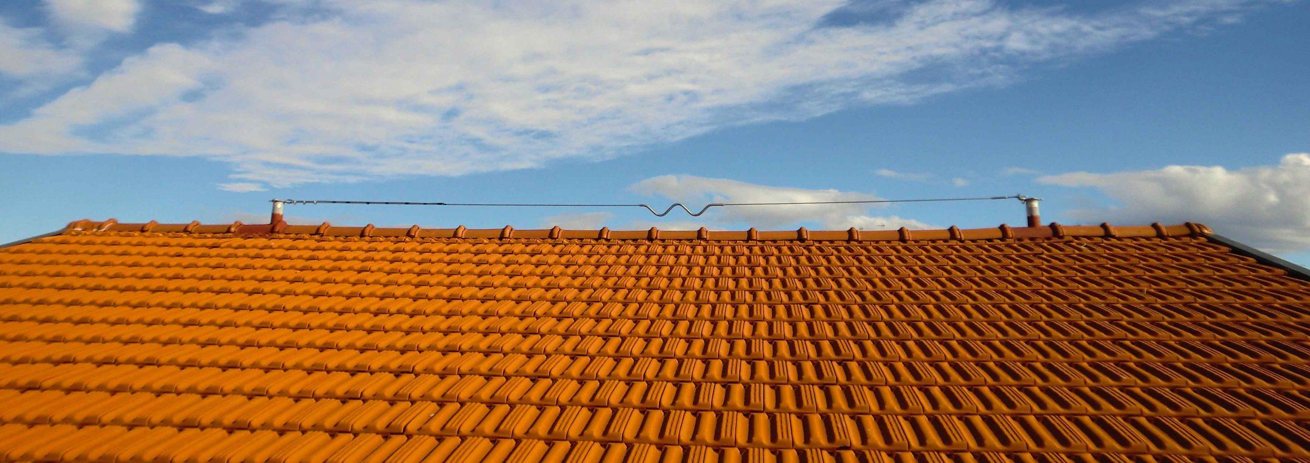 Linea flessibile tipo C installata su un tetto